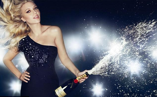 Скарлетт Йоханссон (Scarlett Johansson) в рекламе Moet & Chandon